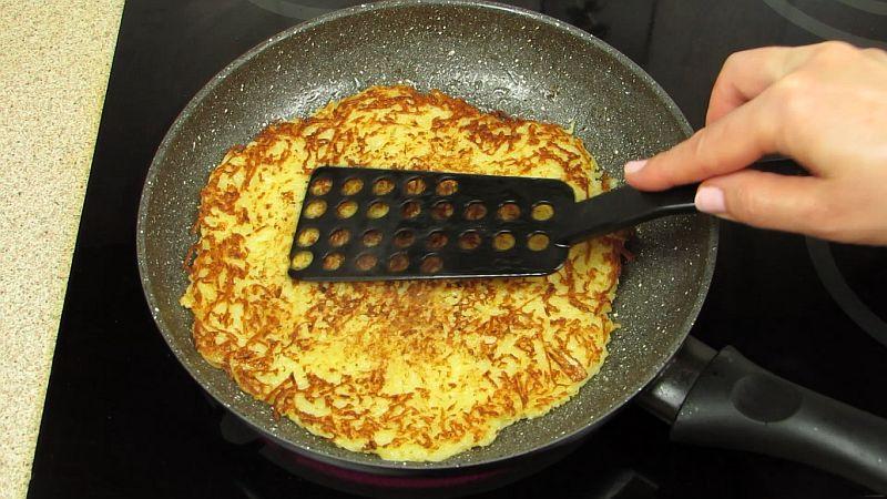 драник на сковороде