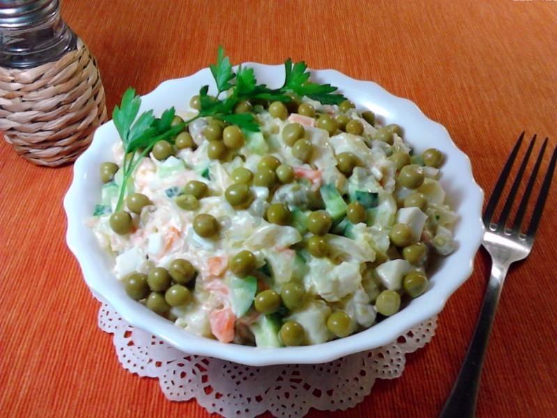 Салат с квашеной капустой и картошкой