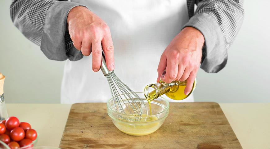 смешиваем масло с горчицей