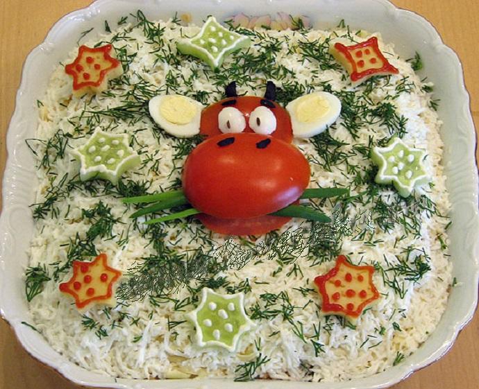 оформление салата помидором
